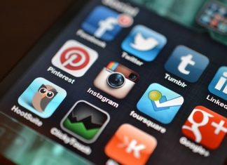 Study says that negative experiences in social media have more impact